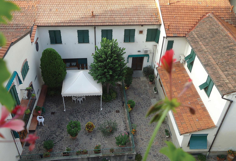 Il cortile interno visto dall'alto